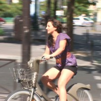 A Guide to Getting Around Paris (VIDEO)